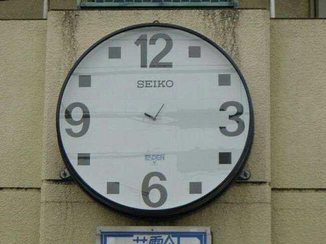 時針と分針が短い掛け時計