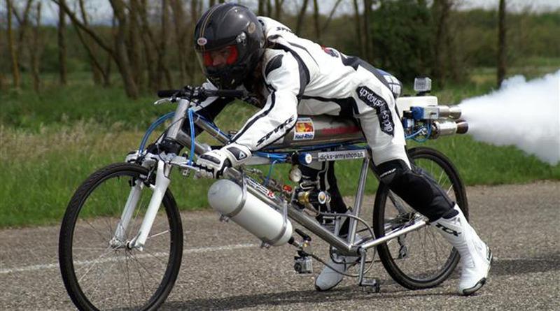 263kmのスピードが出せる特殊自動車